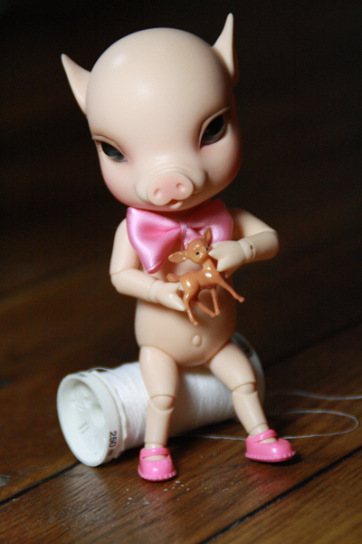 NOUVELLES PHOTOS de Sacha en bas de P1 (BJB cochon Elf Doll) 4926773195_77d77452a9_o