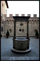 Palazzo Chigi Saracini (Antonio Siringo) Tags: italy nikon tuscany siena nikkor toscana palazzochigisaracini nikond90 nikkor1685