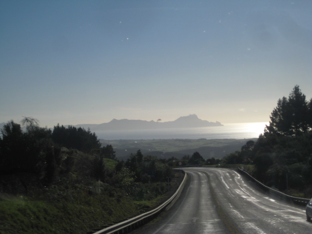 Motorcoach Drive From Auckland to Bay of Islands, New Zealand