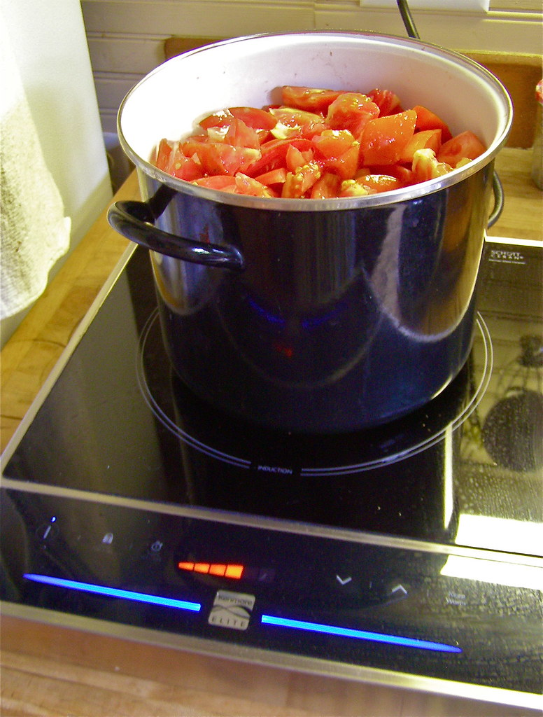 Tomatoes on the Induction Cooker