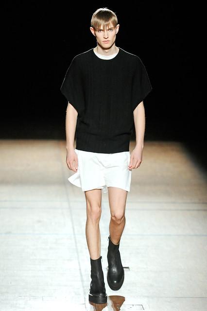 Adrian Bosch3132_FW11_Paris_Damir Doma(Simply Male Models)