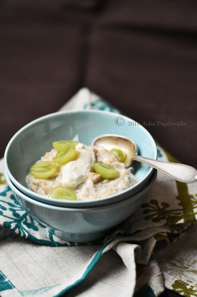 Vanilla and Coconut Oatmeal Porridge1
