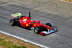 F-150 (Jose Casielles) Tags: valencia rojo f1 ferrari velocidad carreras saludo yecla fernandoalonso cheste ganador piloto campen veloz circuitodecheste fotografasjcasielles bicampenf1 cochef1