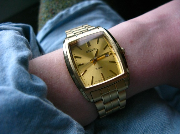 gold objects 011 seiko watch
