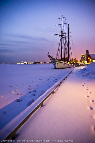 Snowy Wednesday: Ship