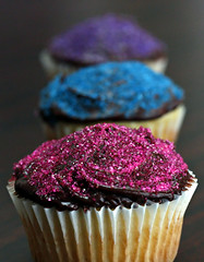 40/365 : 2011 (Kerrie Lynn Photography (Sugaree_GD)) Tags: pink blue dessert cupcakes colorful crystals dof purple chocolate sugar depthoffield sprinkles vanilla 2011 project365 365days favorites25 apicaday 40365 sugareegd 020911 shuttersisters365 project36612011 3652011 2011inphotos