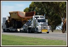 Oversize... (quarterdeck888) Tags: kenworth t404sar trucks oversize wideload float truckphotos worldtruck jerilderietruckphotos jerilderietrucks
