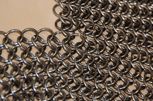 Chainmail at the KwartzLab Stitch'N'Bitch