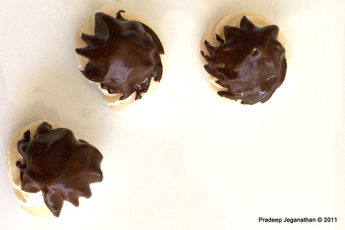Chocolate coated Meringues (kisses) -2