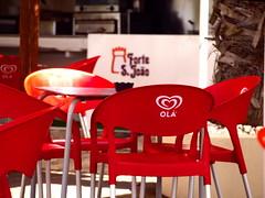 _6148119 (hans 1960) Tags: ola heart herz red rot tisch stuhl holyday urlaub portugal algarve farben colours