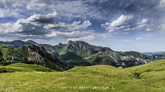 Puerto de la Cubilla_DSC2610 (anahí tomillo) Tags: nikond5100 nikon sigma 1750f28 naturaleza nature montaña mountain asturias españa europa europe spain verde green nubes clouds cielo sky