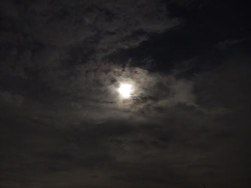 雲掩月_f1