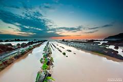 Stairway to Heaven `[Explore] (saki_axat) Tags: sunset seascape nature canon landscape atardecer mar playa explore coastal bizkaia euskalherria vizcaya basquecountry paísvasco cantabrico barrika 50d canonikos