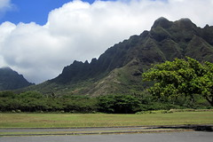 O'ahu: Ko'olau Mountains from Kualoa Beach Park (wallyg) Tags: mountain mountains hawaii oahu koolau mountainrange koolaumountains kualoabeachpark koolaurange honolulucounty kualoaregionalpark