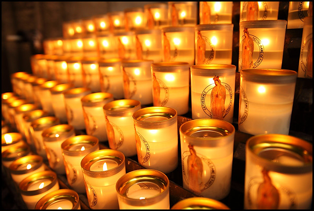notre-dame-candles