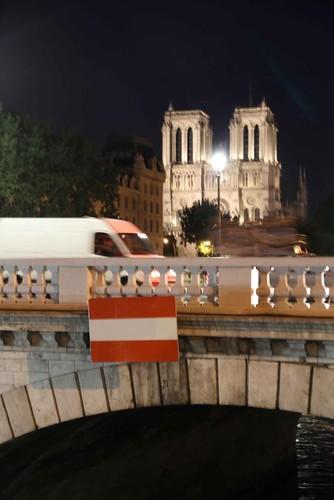 10g08 Sena Nocturno noche Alemania 0 España 1003 Bandera España Puente St Michel Noche Alemania 0 España 1