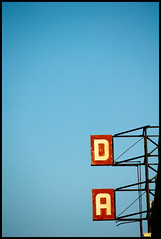 D / A (Andy Marfia) Tags: sky chicago sign iso200 da davis f8 lincolnsquare d90 55200mm davistheater fbdge 11000sec