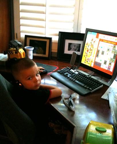 Angry Kid playing Plants vs. Zombies