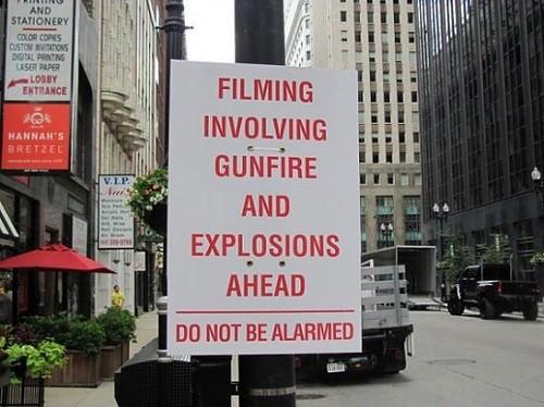 100714(1) - 好萊塢電影《變形金剛 3》日前在芝加哥「城市巷戰」的大量現場照片,大量外流中!(1/3)