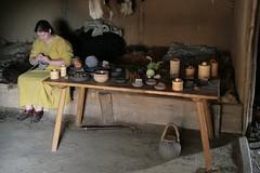 Schautisch im Haus des Tuchhändlers in Haithabu WHH 11-07-2010
