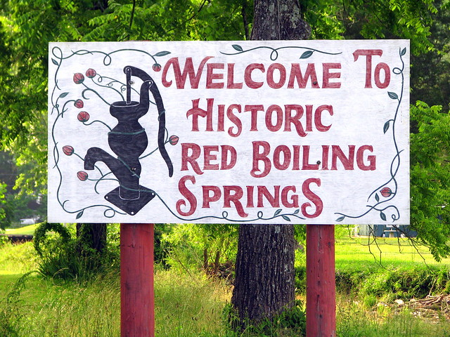Welcome to Red Boiling Springs sign