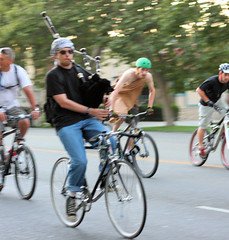 Bagpipes! (Richard Masoner / Cyclelicious) Tags: bike bicycle cyclist sanjose dude santaclara elcaminoreal bagpipes nohands bikeparty thealameda