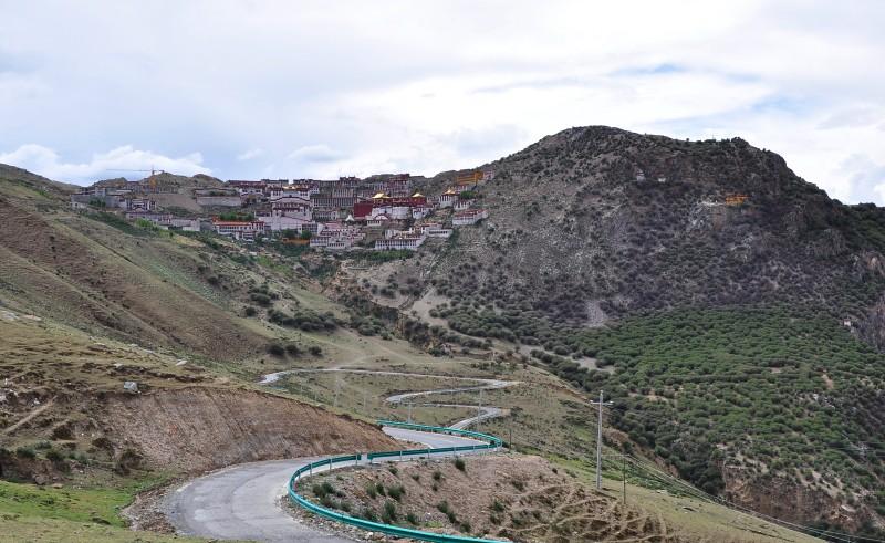 Tbjun20-2010 (325) Ganden Monastery