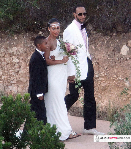 Yesterday we broke the news that Swizz and Alicia had their official wedding