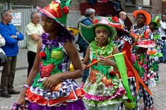 zomercarnaval201 (fotoWS5720) Tags: carnival girls party summer girl fun dance rotterdam nederland bolivia aruba zomer streetparade latin carnaval brazilian 2010 antilles zomercarnaval straatparade ortel