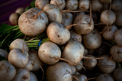 0805 / Taprt (nocturnae) Tags: food cooking vegetables market ingredients bunch turnips taproot whiteturnip