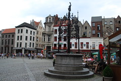 Antwerp - Guildhouses & Fountain Market Square (Le Monde1) Tags: city fountain dutch river square nikon belgium market canals antwerp markt flanders grote scheldt d60 guildhouses lemonde1
