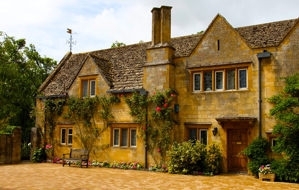 Cotswold stone home