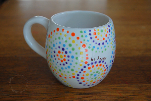rainbow be happy mug