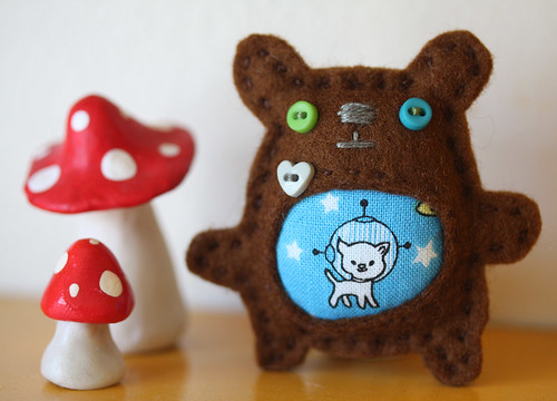 Bear loves space kitty brooch