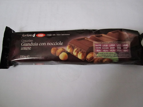 Vegan chocolate hazelnut bar by Coop