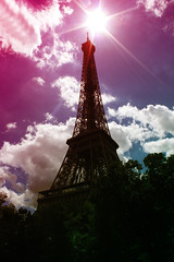 Eifel Tower (donchris!) Tags: sky sun paris france tower sol les clouds soleil frankreich torre tour himmel wolken du eifel explore ciel cielo nubes sole nuages sonne francia eifelturm pars parigi  soce  nubi pary chmury niebo francja