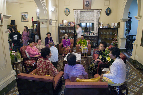 Baba ladies inside the Hongyok family house