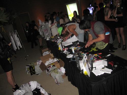 brian lichtenberg forever 21 party DIY tshirt