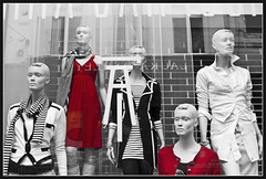 The Ladies in Red (Bert Kaufmann) Tags: red fashion shop shopping rouge design doll dress denhaag etalage pop clothes mode rood reddress spui winkelstraat selectivecolor kleren ladyinred jurk poppen etalagepop shoppingarea ladiesinred redfashion selektievekleur