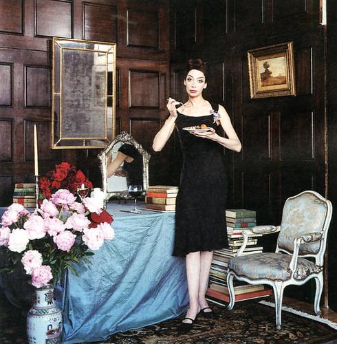 Illeana Douglas as Pauline de Rothschild 4