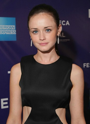 alexis-bledel-cut-out-acting-01