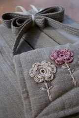 Romantic bag... (SandraStJu) Tags: flowers roses bag purple natural handmade linen crochet pouch romantic clutch bags sleeve purses sewn naturale pinklinen