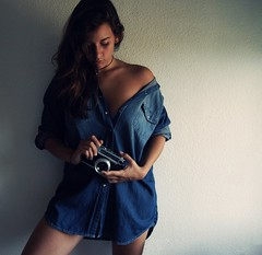 and the reason is you* (Ireni~) Tags: color luz azul photoshop tristeza mujer reliquia sombra recuerdo nostalgia antigua contraste autorretrato camara 2010 camisa brillo sentimiento ire vaquera photoscape