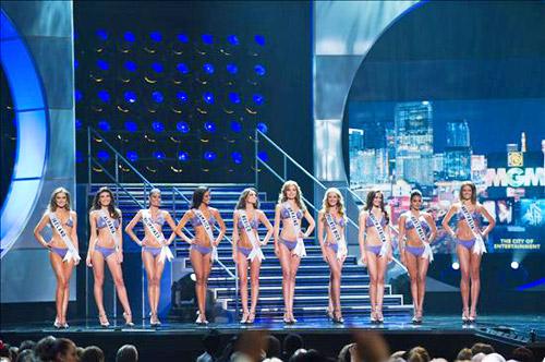 Miss Universe 2010 SemiRunner-ups en Bikini Swimsui