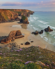 The Bedruthan Steps, St Eval, Cornwall (TimSmalley) Tags: sunset summer seascape landscape cornwall newquay seastacks goldenlight bedruthansteps steval thebedruthansteps