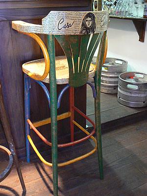 chaise pietra.jpg