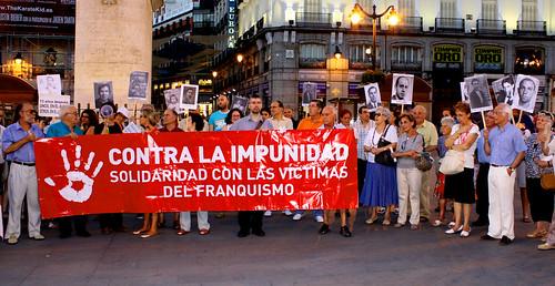 Concentración contra la impunidad del Franquismo (26/08/2010)