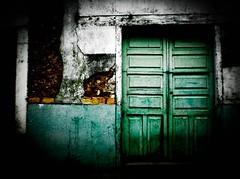 The Close Door (Guillermo Crcamo) Tags: door puerta close pueblo honduras olympus cerrada cerrar x760 yuscarn guillermocrcamo