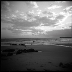 (...storrao...) Tags: sunset sea sky blackandwhite bw dog man 6x6 film portugal clouds holga sand pb porto filme pretoebranco 120mm lateafternoon matosinhos holgagraphy selfdeveloped onfilm gp3 shanghaigp3 thelittledoglaughed ilfotechc ilfordilfotechc film:iso=125 epsonv500photo storrao sofiatorro developer:brand=ilford film:brand=shanghai film:name=shanghaigp3100 shanghaigp3100asa developer:name=ilfordilfotechc filmdev:recipe=6005