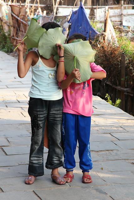 Shy girls in Chengyang, Guangxi, China